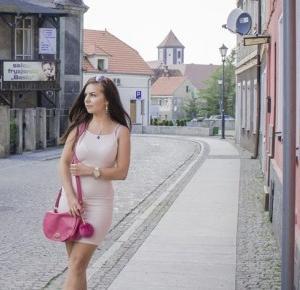 MOJE STYLIZACJE - TWOJE INSPIRACJE!: ''Moda, w której nie można wyjść na ulicę nie jest modą ''