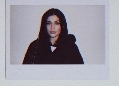 Kylie Jenner TOPLESS reklamuje swoją linię bielizny!