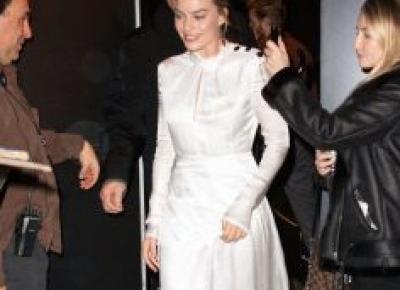 Sukienka z Zary w wężowy wzór - Elle.pl - trendy jesień zima 2018: modne fryzury, buty, manicure