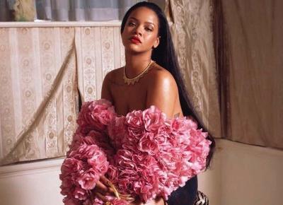 Rihanna i jej złote paznokcie- nowy trend jesieni!