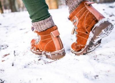 Jak ocieplić buty, w których marzniesz? Wypróbuj dwa sposoby