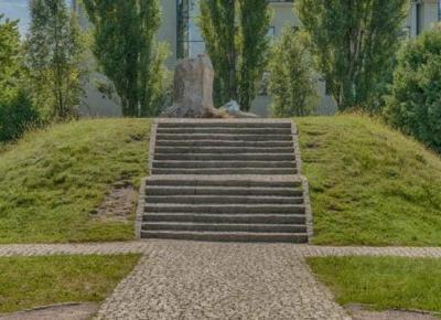 Bunkier Anielewicza w Warszawie - Szlaki online