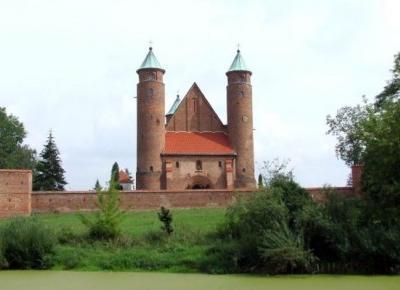 Kościół obronny w Brochowie - Szlaki online