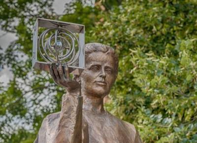 Śladami Marii Skłodowskiej-Curie po Warszawie - Szlaki online
