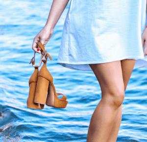 Sandały na obcasie i biała sukienka - Poison Hyp