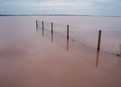 Czy Różowe Jezioro w Hiszpanii naprawdę jest takie różowe?