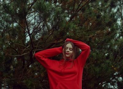 Julia Lipska: RED RED RED