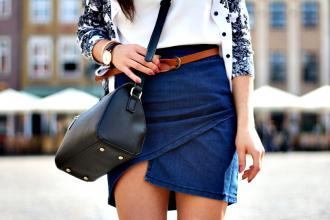 PORCELAIN DESIRE: Jeans z brązem w jesiennym wydaniu.