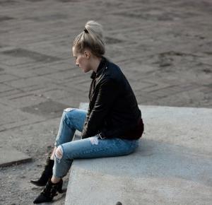 Podarte jeansy - nosić czy nie? | Hedonisticat