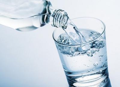 Nie każda woda jest zdrowa? Na tą wode lepiej uważaj!