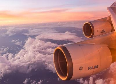 2. Kosmetyczka - Podróżniczka (Samolot)