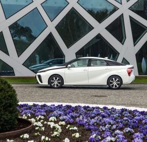 Toyota Mirai w Polsce - moja pierwsza jazda samochodem na wodór