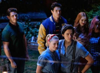 Riverdale: Cole Sprouse i inne gwiazdy serialu oskarżone o molestowanie