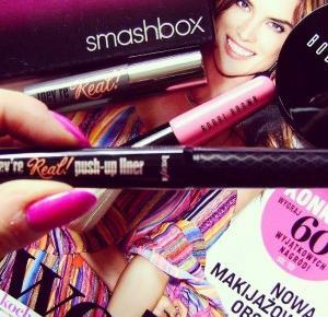 Ms Black Lady Blog o życiu, modzie i urodzie: Kosmetyki od Bobbi Brown, Smashbox i Benefit.