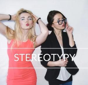 Stereotypy blondynki i brunetki