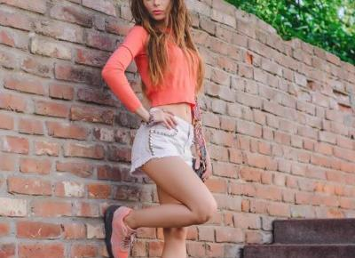 Roxy Jacobs on Instagram: ?Look - shorts @zara crop top @bershka shoes @puma #lookbook #look #ootd #style #streetstyle #stylizacja #polishgirl #ukrainiangirl #blogger??