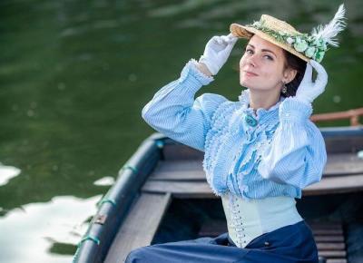 Ta kobieta na co dzień ubiera się jak w XIX wieku!