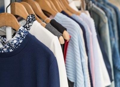 Organizacja szafy - jak skutecznie przechowywać ubrania?