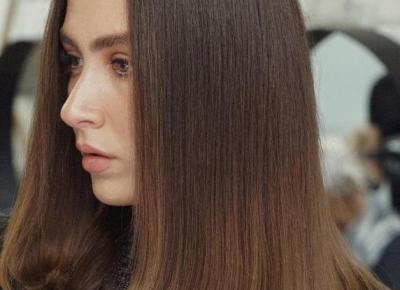 Twoje włosy są przesuszone i pozbawione blasku? Przyczyną jest kwarantanna i siedzenie w domu.