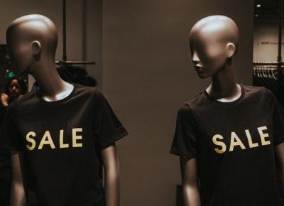 Tu już nie zrobisz zakupów. Marki odzieżowe, które zbankrutowały przez koronawirusa.