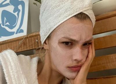 Błędy w pielęgnacji, które prawdopodobnie popełniasz. Przyspieszają starzenie się skóry, powodują zaskórniki i inne problemy.