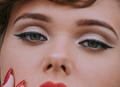Jak poprawnie nakładać eyeliner? Porady i wskazówki
