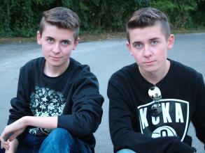 Czy fajnie jest być bliźniakiem?