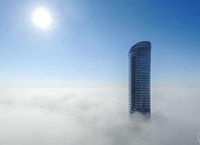 Sky Tower Run - 49 pięter, 1142 schody i 212 metrów | Sięgając nieba