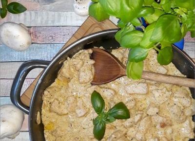 Piersi z kurczaka z pieczarkami w sosie śmietanowym | Słodkie okruszki