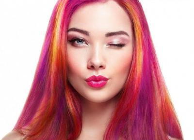 Modne fryzury wiosna 2020: Kolorowe włosy hitem tego sezonu!