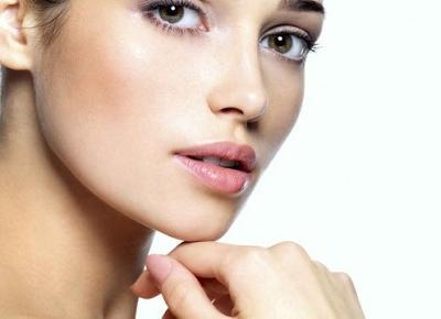 Moda na zdrowie: Jak dbać o skórę twarzy? 10 podstawowych zasad!