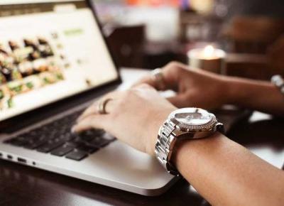 W świecie szwajcarskich zegarków - Świat w kolorze blond