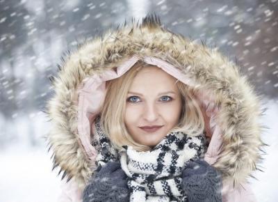 Zimowa stylizacja z różową puchówką - Sylwia Szewczyk