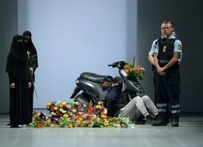 Kontrowersyjny pokaz na Denmark's Fashion Week!!! Pełna Coolturka