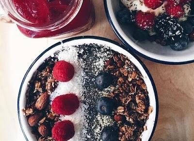 Zdrowe śniadania na słodko - 4 rzeczy | Szwajka