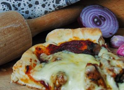Pizza z orientalnym kurczakiem +włoskie ciasto