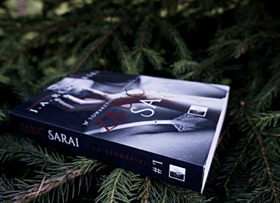 Zabić Sarai, J. A. Redmerski
