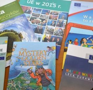 Podróże Dwóch Włóczykijów  ~  Two Gadabouts' Journeys: Polecamy darmowe pomoce edukacyjne dla dzieci i dorosłych - książki, komiksy, foldery, mapy, czasopisma itp., dotyczące UE
