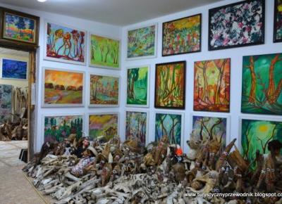 Podróże Dwóch Włóczykijów  ~  Two Gadabouts' Journeys: Wyjątkowe Muzeum Lalek w Białowieży [Tamara Tarasiewicz Museum in Bialowieza, Poland]