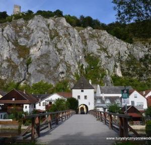 Podróże Dwóch Włóczykijów  ~  Two Gadabouts' Journeys: Essing w Niemczech - miasteczko, które zauroczyło nas od pierwszego wejrzenia... [Essing in Germany - a town that charmed us at first sight...]