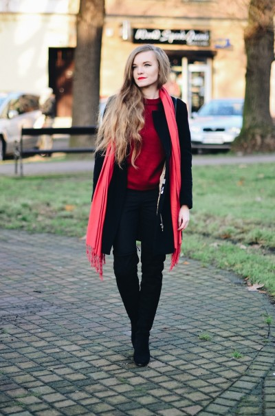 UNCARO: Street Style: Bell sleeves sweater