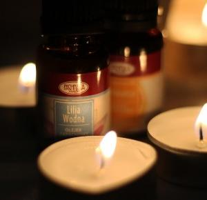 Olejki zapachowe pomarańcza, lilia wodna i białe kwiaty od Pachnąca Szafa - recenzja #38 - VamppiV - fashion