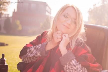 Ponczo w czerwono-czarną kratę, bo ciepło musi być! - Blog o modzie - Sylwia VAMPPIV Błach