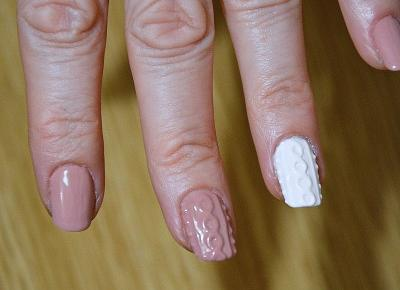SWEATER NAILS + STEP BY STEP