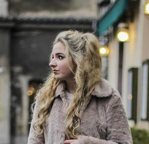 Take-My-Style Wiktoria Gruca: Brown fur - street style!
