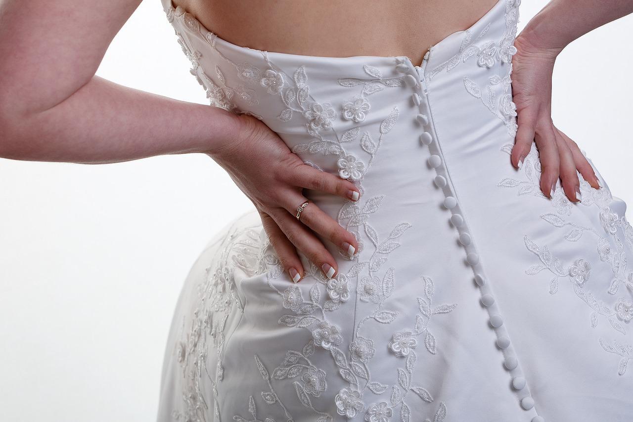 Co zrobić gdy dzień przed ślubem sukienka jest za ciasna?