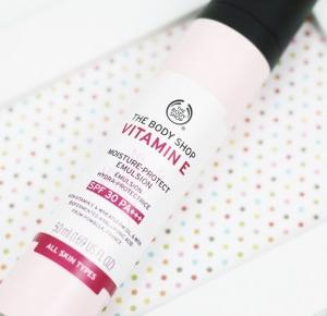 The Body Shop Vitamin E Moisture-Protect Emulsion SPF30 / RECENZJA - wee mini / blog kosmetyczny / blog o urodzie