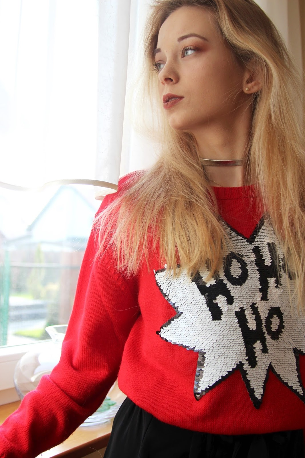 RED SWEATER - Weronike