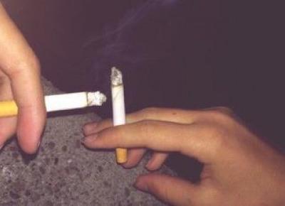 Powód dla którego pale papierosy w wieku 14 lat