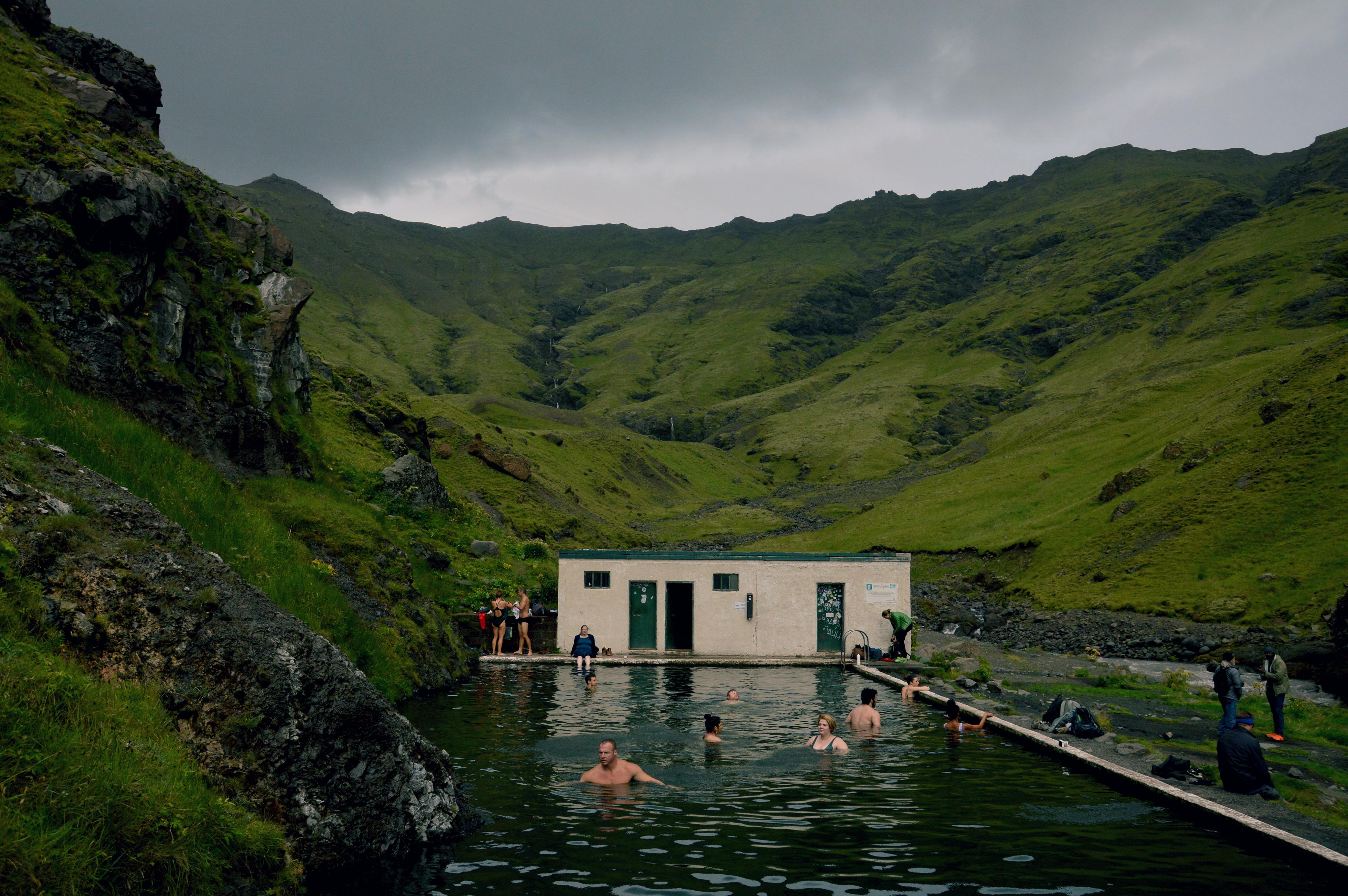 Islandia: Gorące Źródła. Gdzie kąpać się za darmo? (Wskazówki + mapa)